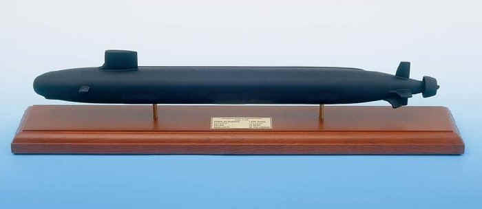 USN - USS Virginia Class Submarine - 1/192 Scale Mahogany Model - SCMCS011W