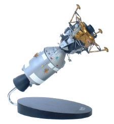 Apollo Lunar Excursion (LEM) Module - Command Module Replica 1/48 Scale