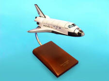 NASA - Space Shuttle Discovery - 1/200 Scale Small Plastic Model