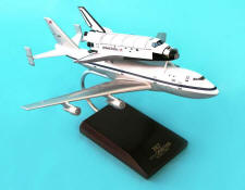 NASA - Boeing 747 with Discovery Shuttle Piggyback - 1/200 Scale Model