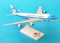 Skymarks - Air Force One 747-200 - 1/250 Scale - Plastic Model