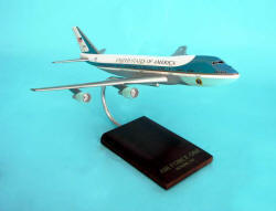 Air Force One - VC-25A 747-200 - 1/200 Scale Plastic Model - B2920C3P
