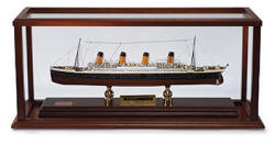 Signed - RMS Titanic Ocean Liner - Scale: 1/500