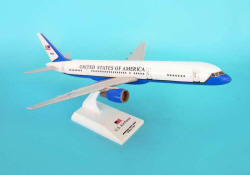 SkyMarks - Air Force 2 - B757-200 - 1/150 Scale Plastic Model