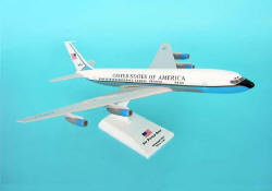 Skymarks - Air Force One VC-137 - B707 REG #86970 - 1/150 Scale Plastic Model - SKR314